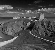 Dunnottar Castle, Stonehaven, Aberdeenshire by Martin Slowey