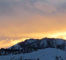 Bright Sky Over Horse Lake Mountain by XiNC