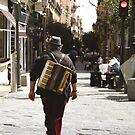 _crónicas del navegante solitario [la delgada línea]  by Justo Morales