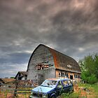 Empty old barn by zumi