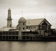 Cunningham Pier Geelong by Deb Gibbons