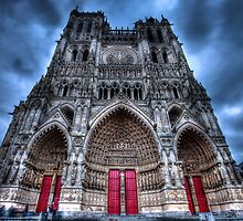 Amiens Cathedral by Gavin Poh