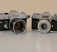 Classic Cameras by Keith G. Hawley