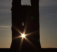 not every day you see the sun through a tower  by yampy