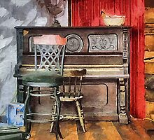 Yesterday's Piano by suzannem73
