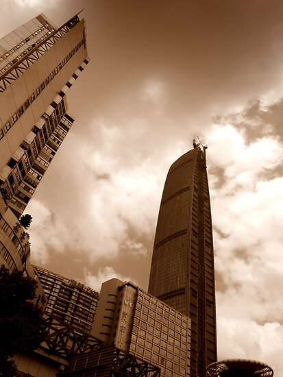 Kingkey 100 from below, Shenzhen, China by Chris Millar