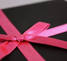 Pink Bow by freegayecards