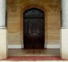 Grand entrance in Launceston by myraj
