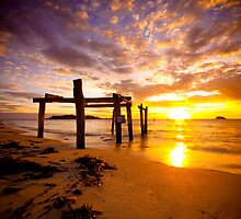 Hamelin Bay - Western Australia by Chris Paddick