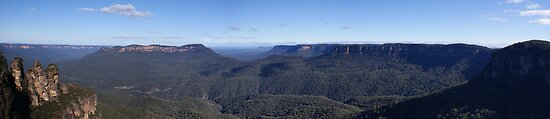 echo point - panorama by Steven Guy
