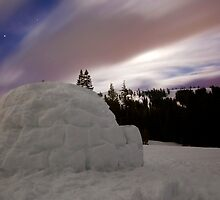 Igloo night--long exposure by tomcelroy