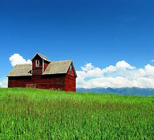 Red Barn by GlennBarclay