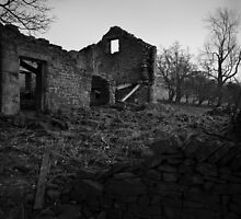 Derelict Barn, Win Hill, Derbyshire by Andy Stafford