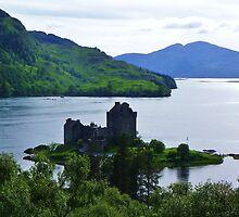 Eilean Donan Castle - Carr Brae by caledoniadreamn