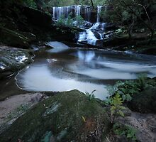 Whirpool, Somersby Falls by bazcelt