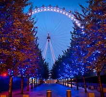 The London Eye - Dawn Light. by DonDavisUK