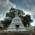 Lankatilaka Temple by Dilshara Hill