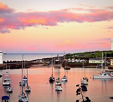 Wollongong Harbour at Sunset by Renee  Lowe