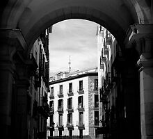 Arches of Plaza Mayor by fefelix18