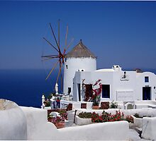 Oia Windmill, santorini Greece by saxonfenken