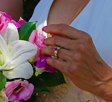 Flower ring by Lianne Wooster