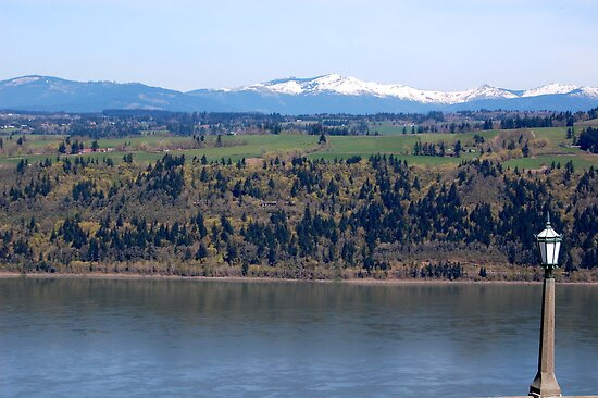 View of Columbia river from Crown Point by quiqui lee
