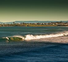 Austinmer Beach by 16images