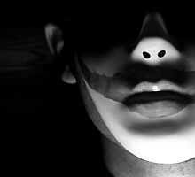 """""""Now Comes the Night"""" - Faceless Photoshoot by Kat Goetting"""