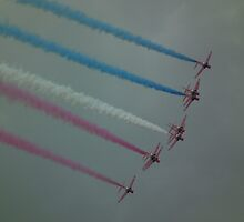 The Red Arrows by mike  jordan.