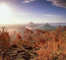 Glasshouse Mountains Lookout by imagekinesis