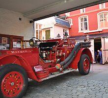 Fire engine from Bergen by Annbjørg  Næss