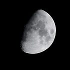 Gibbous Moon by basalt101