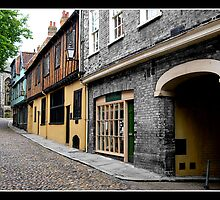 Elm Hill, Norwich, UK by Gordon Holmes