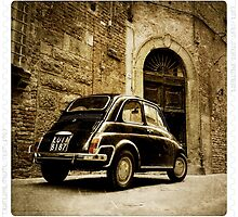 Fiat 500 in Lucca. Italy by Colin Leal