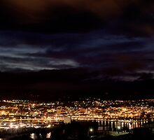 Pre Dawn - Looking over Launceston by Ben Swanson
