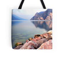 Prime ore del mattino sul Lago di Garda Tote Bag
