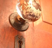 Knob and keyhole by Summergal
