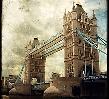 Tower Bridge by Marc Loret