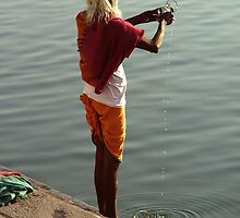 Making Puja in the Ganges by SerenaB