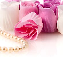 Soap roses and pearl necklace by homydesign