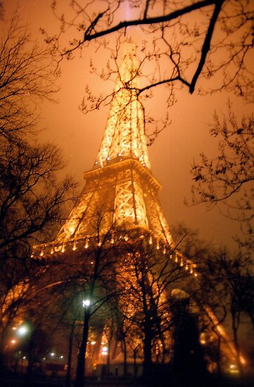 Dreamy Eiffel Tower, Paris by Alberto  DeJesus