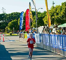 Kingscliff Triathlon 2011 Finish line B5961 by Gavin Lardner