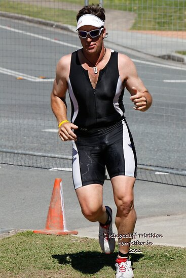 Kingscliff Triathlon 2011 Run leg C087 by Gavin Lardner