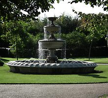 fountain in london by gwebb