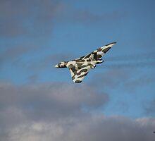 Avro Vulcan XH558 by yampy