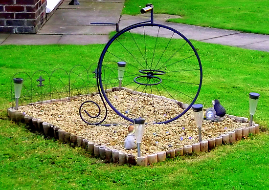Minature Penny-Farthing by shelleybabe2
