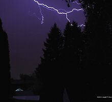 Late Season Lightning by JoeDavisPhoto