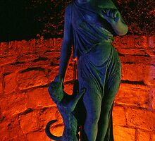 Night light, Treasurers house statue by leephotoofyork