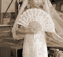 Bride With Fan by fotorobs