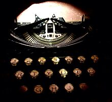 Royal Typewriter - TTV by Maria Schlossberg